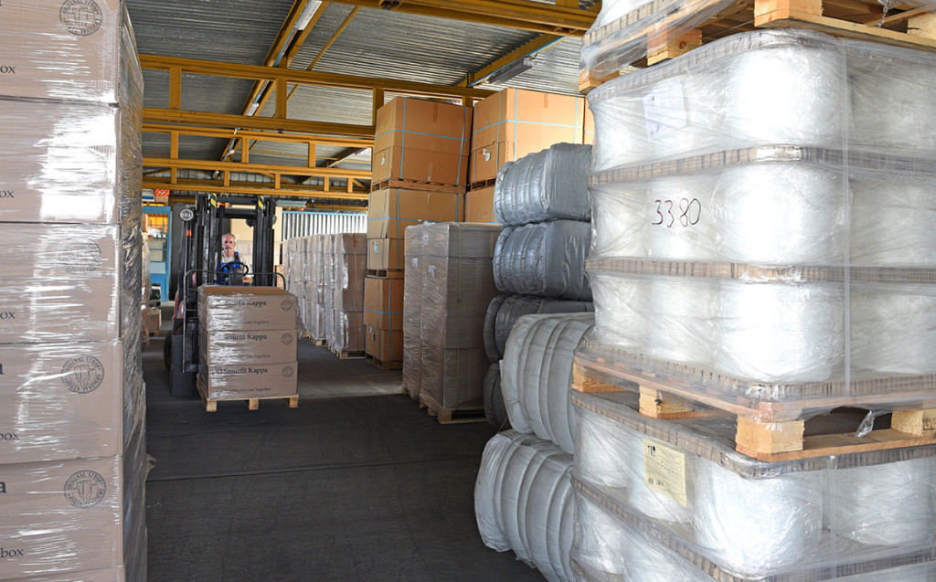 Polyester technical yarn in stock